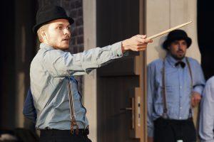 """Der Schauspieler Jan Gugel in """"Peer Gynt"""" des Sommertheaters Dessau-Rosslau auf der Wasserburg Rosslau"""