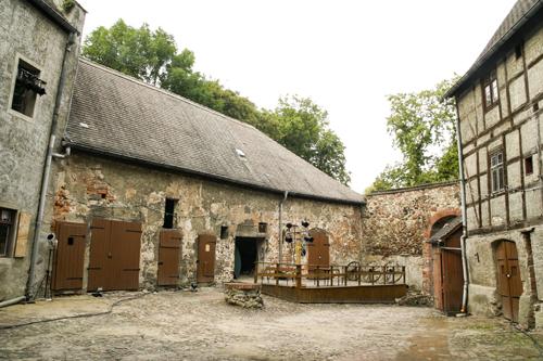 Der Innenhof der alten Wasserburg Rosslau,