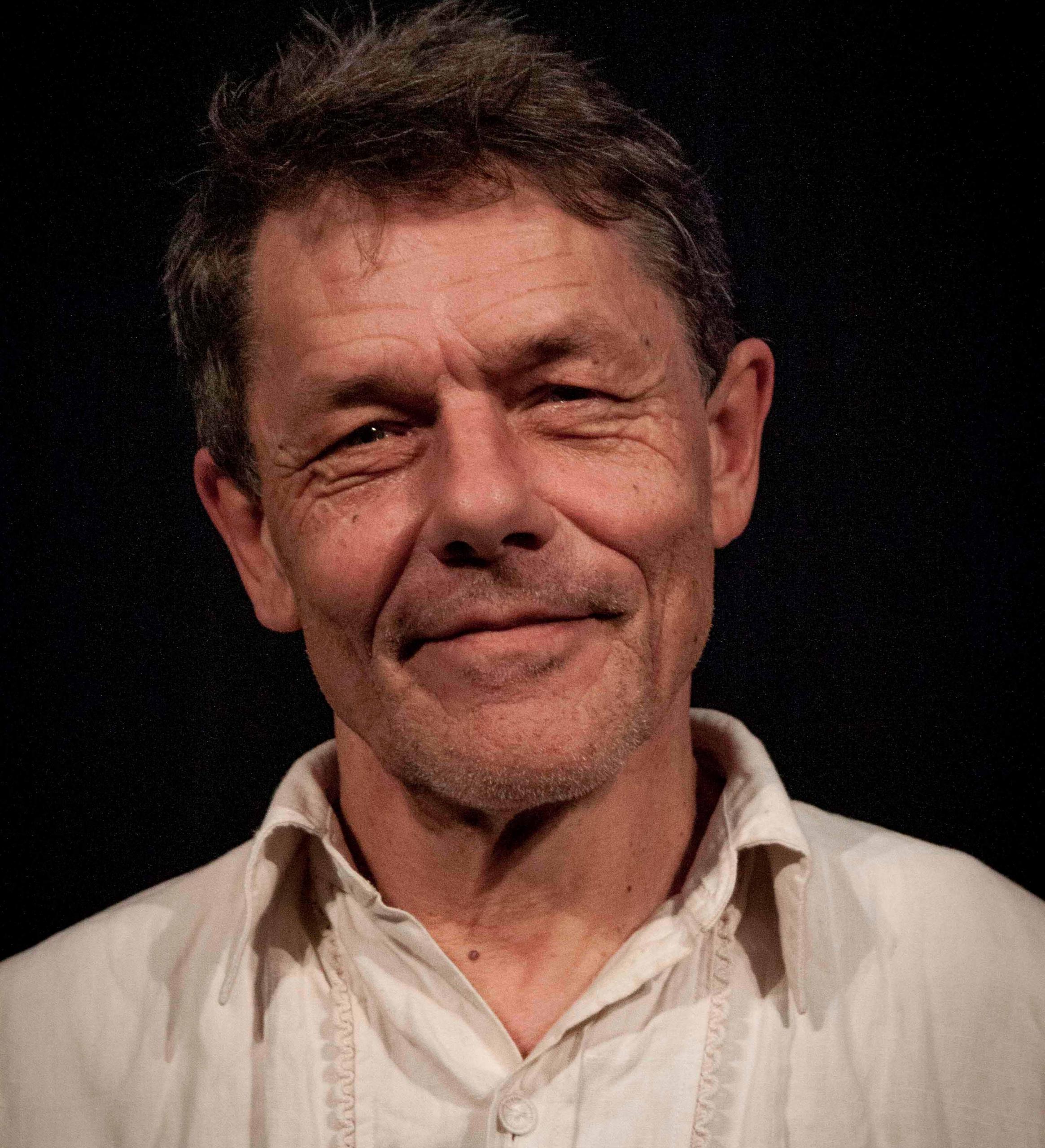 Portraitfoto von Jobst Langhans, Regie des Kindertheaters auf der Wasserburg Dessau-Roßlau.