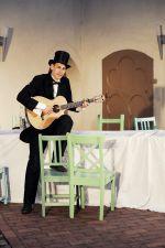 """Der Schauspieler Mathias Hainke in """"Peer Gynt"""" des Sommertheaters Dessau-Rosslau auf der Wasserburg Rosslau"""
